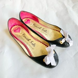 FRENCH SOLE Valentine Black Leather Flats